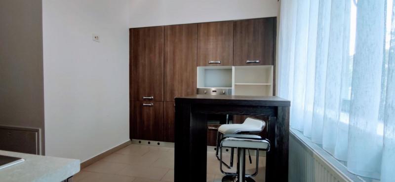 Inchiriere apartament de lux, 140 mp, zona P-ta Alba-Iulia