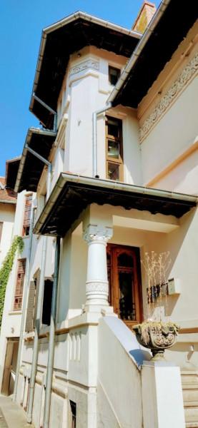 Vanzare etajul al doilea dintr-o vila in Piața Dorobanți