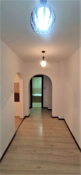 Inchiriere birouri/locuinta, 3 camere, bloc ZEPTER